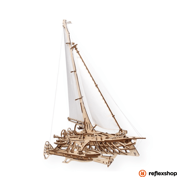 UGEARS  Trimarán hajó - mechanikus modell